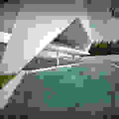 Habitação Unifamiliar Isolada T4 com Piscina - Definied LOOP por Office of Feeling Architecture, Lda Moderno Metal