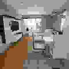 Home Staging - Departamento Comedores de estilo moderno de Mauriola Arquitectos Moderno Plata/Oro