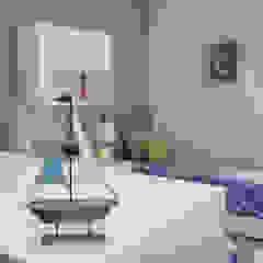 Ocean's vibe toddlers bedroom por Perfect Home Interiors Escandinavo Madeira Acabamento em madeira