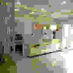 Modern corridor, hallway & stairs by Enrich Interiors & Decors Modern
