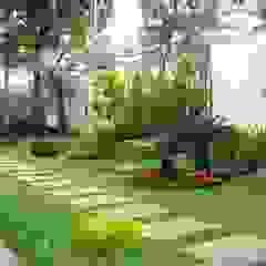 Tukang taman Surabaya -proyek Rumah tinggal Oleh Tukang Taman Surabaya - Tianggadha-art Minimalis Batu