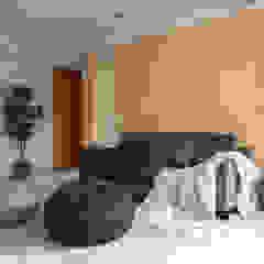 Salas de estilo asiático de 湜湜空間設計 Asiático Contrachapado