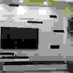 Livings de estilo minimalista de 頂尖室內設計工程行 Minimalista