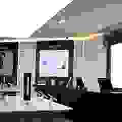 SUMSUNG Espaces commerciaux modernes par LIGHTTING Moderne