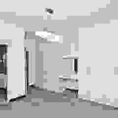 Ultra Modern Kitchen with Red Focalpoint Minimalist bedroom by Ergo Designer Kitchens and Cabinetry Minimalist Engineered Wood Transparent