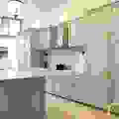 Mid Century Modern Style at Jalan Usaha Modern kitchen by Singapore Carpentry Interior Design Pte Ltd Modern