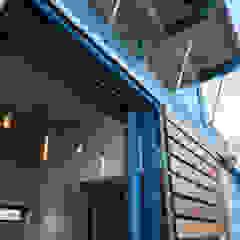 Upper Woodstock residence by Barak Mizrachi Architects Industrial Iron/Steel