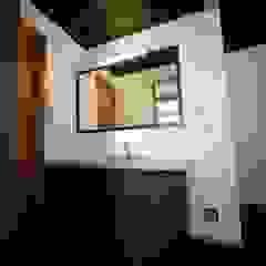Asian style bathroom by 株式会社高野設計工房 Asian