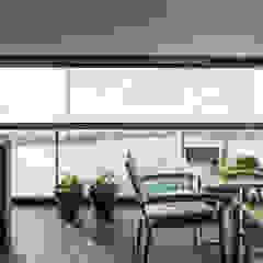Lucht, Licht, Zicht Moderne balkons, veranda's en terrassen van Masters of Interior Design Modern
