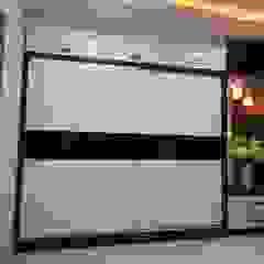by Enrich Interiors & Decors Asian پلائیووڈ