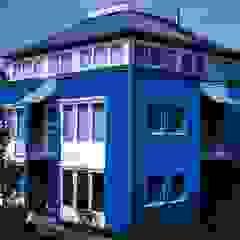 Junker Architekten Вітальня Дерево Синій