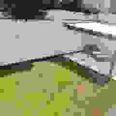 VENDO CASA EN SAN ISIDRO Jardines de estilo moderno de L&E Inmobiland Moderno