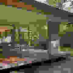 058軽井沢Hさんの家 モダンデザインの テラス の atelier137 ARCHITECTURAL DESIGN OFFICE モダン タイル