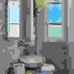 Salle de bain méditerranéenne par Idearte Marta Montoya Méditerranéen