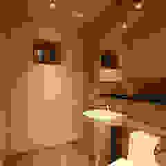 Baños de estilo moderno de Design Daroom 디자인다룸 Moderno