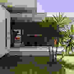 Casa IF Portas e janelas minimalistas por Martins Lucena Arquitetos Minimalista