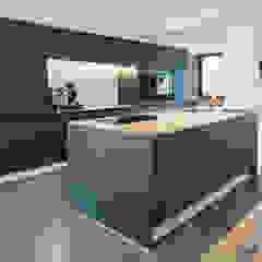 Modern kitchen by ONE!CONTACT - Planungsbüro GmbH Modern
