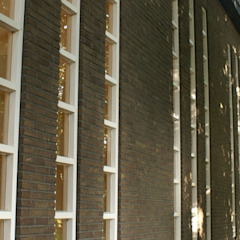 Verbouw gymzaal tot woning van AP-Interieurarchitect Modern