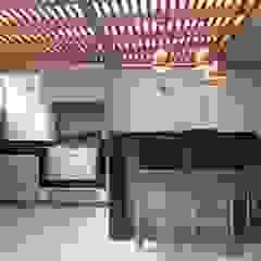 """Proyecto """"Del Pinar"""" en San Borja Balcones y terrazas minimalistas de MIMETIKA Minimalista"""