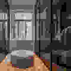 Wohnhaus Köln, Pfannes & Virnich Moderne Ankleidezimmer von Sebastian Hopp PHOTOGRAPHY Modern