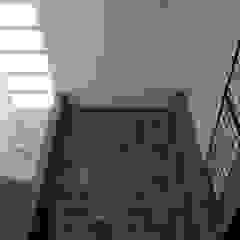Paredes y pisos de estilo moderno de Apaloosa Estudio de Arquitectura y Diseño Moderno Concreto