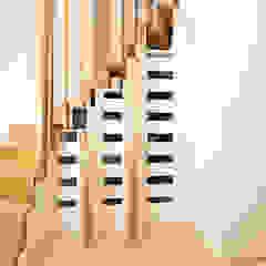 Faltwerktreppe mit integriertem Schrank von Holzmanufaktur Ballert e.K. Modern Holz Holznachbildung