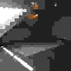 Salas multimedia modernas de Arqsol Moderno