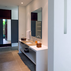 NOAH Proyectos SAS ห้องน้ำ คอนกรีต White