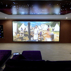 IMMERSIVE 360 CINEMA Home Cinema por Projection Dreams / CUSTOM CINEMA 360 LDA Minimalista MDF
