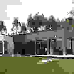 Casa Piloto. Andrés Hincapíe Arquitectos de Andrés Hincapíe Arquitectos A H A Moderno Pizarra