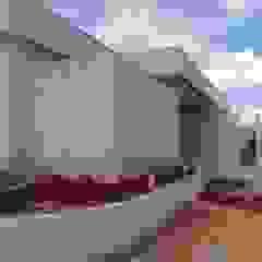 Revestimento com Tozeto de Moledo Paredes e pisos clássicos por Atrium Vale Pedras e Projetos Clássico Pedra
