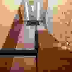 Vrijstaande villa Moderne gangen, hallen & trappenhuizen van Dineke Dijk Architecten Modern