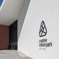 PCI - Creative Science Park (Universidade de Aveiro) Escolas modernas por Alessandro Guimaraes Photography Moderno