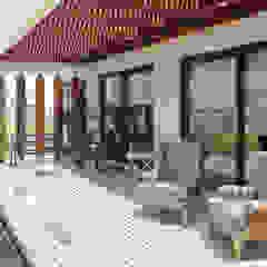 por m2 estudio arquitectos - Santiago Mediterrâneo