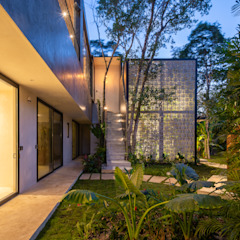 by Obed Clemente Arquitectos Tropical Concrete