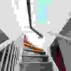 Amsterdam roof terrace - Glazed roof access hatch من Staka Premium تبسيطي