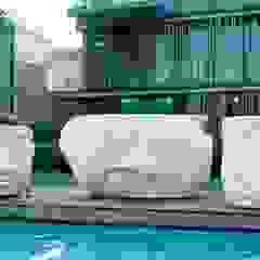 Azjatycki basen od AH BADDESIGN GMBH Schwimmbad & Saunabau Azjatycki Granit