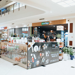 Shopping Centers escandinavos por Barkod Interior Design Escandinavo