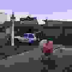 Growing| Obras Stand de Automóveis @ Fão, Esposende Garagens e arrecadações modernas por Black Oak Company group|( Ooty. )( Timberman )( Growing ) Moderno