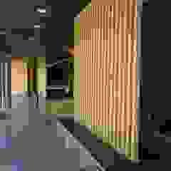 من MIA arquitetos إسكندينافي خشب OSB