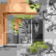 من 理絲室內設計有限公司 Ris Interior Design Co., Ltd. أسيوي خشب Wood effect