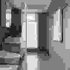 Phòng tắm phong cách Bắc Âu bởi 築川設計 Bắc Âu