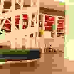 Projeto de um gabinete multifuncional por PROJETARQ Moderno