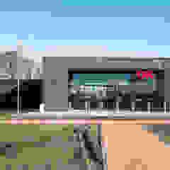Benzinestation & restaurant OK in Emmen Moderne gangen, hallen & trappenhuizen van Bureau Ha Architecten Modern