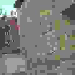 por Trevalo Urbanizaciones y Construcciones Rústico Pedra