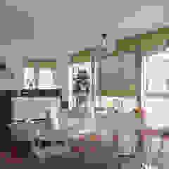 Sala Integrada de 3 ambientes Salas de jantar escandinavas por EasyDeco Decoração Online Escandinavo