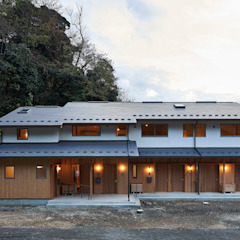 por タイラヤスヒロ建築設計事務所/yasuhiro taira architects & associates Asiático Madeira maciça Multicolor