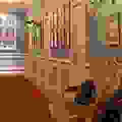 Grande Hotel do Porto Corredores, halls e escadas clássicos por Barbot Clássico