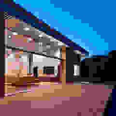 南河内の家/House in Minami-kawachi モダンデザインの テラス の 藤原・室 建築設計事務所 モダン
