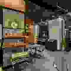 카페인테리어 Vieola coffee 인더스트리얼 거실 by im100 communications 인더스트리얼
